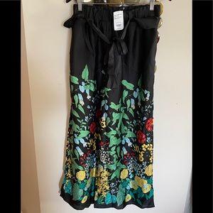 Suzanne Betro black floral print satin pants